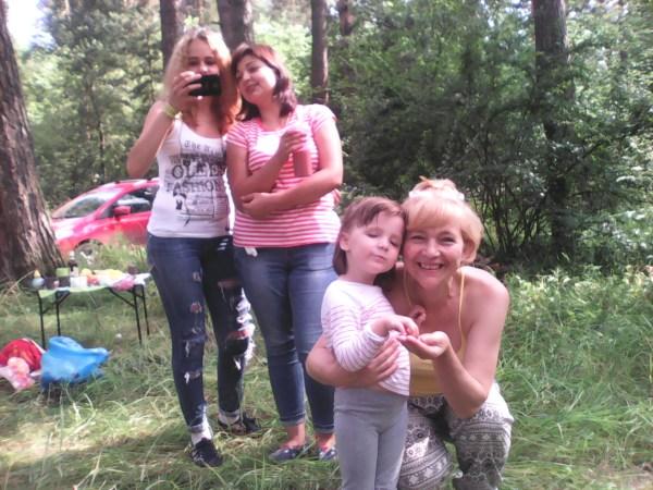 Бабушка Оксана с внучкой Ладушкой, Диана с Соней