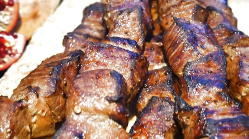 Η πιο πραγματική συνταγή για κεμπάπις του χοιρινού κρέατος στον Καυκάσιο