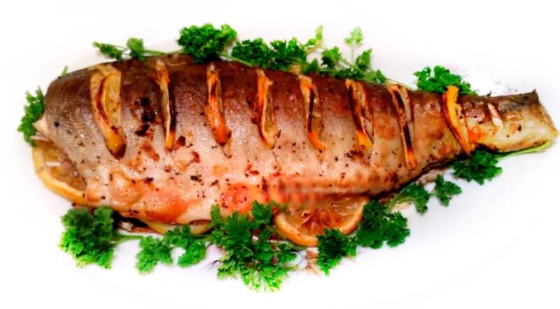 Ірімшік пен саңырауқұлақтармен толтырылған қызғылт лосось