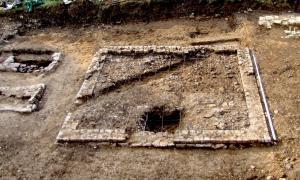 image des restes archéologique de la nécropole