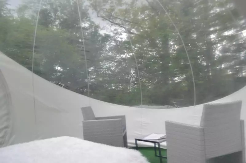 Domaine-des-Vaulx-Cabane-Bubble-chambre