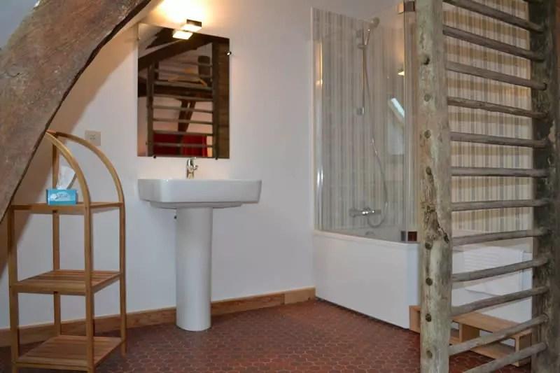 chambre-hotes-edouard-domaine-des-vaulx-salle-de-bains