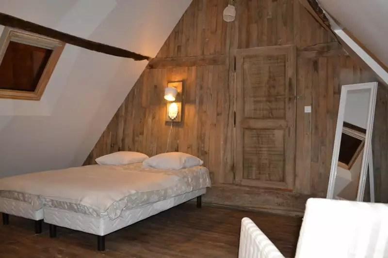Petit-gite-poupardiere-domaine-des-vaulx-chambre4
