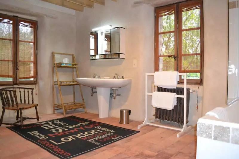chambre-marie-caroline-domaine-des-vaulx-salle-de-bain