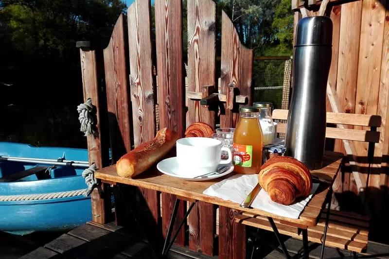 Cabane-Belle-Ile-petit-dejeuner-Domaine-des-Vaulx
