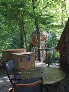 Cabane Lov nid avec spa au Domaine des Vaulx