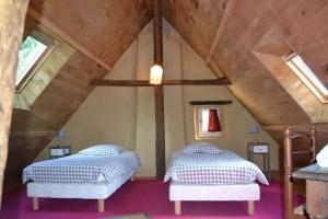 Chambre sous les toits du gîte de la petite Poupardière