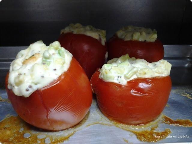 tomate recheado de abobrinha e creme de ricota