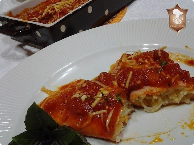 canelone invertido com presunto e queijo recheado de cabelo de anjo