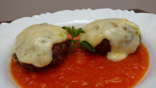 polpetone recheado de queijo