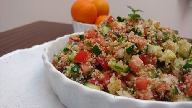 tabule, salada de trigo para quibe