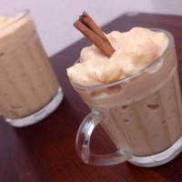 Canjica cremosa com doce de leite