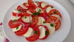 salada de tomate com muçarela fresca