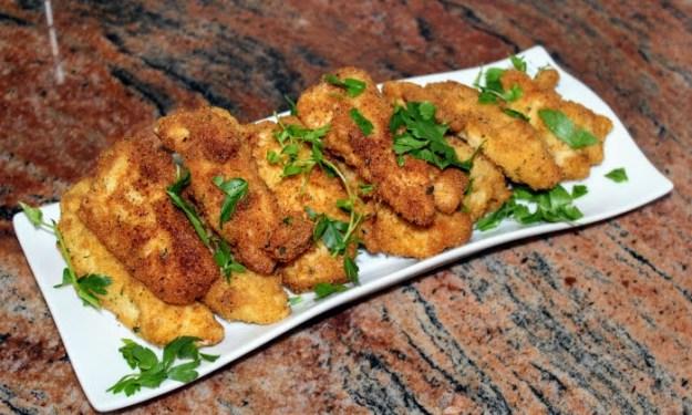 Хрупкави и апетитни панирани пилешки хапки