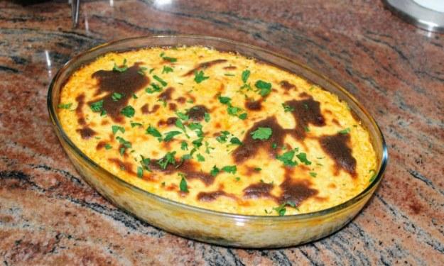 Запеканка с лапад, праз и картофи