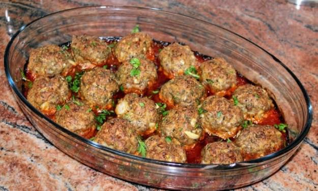 Кюфтета в доматен сос на фурна, най- бързата и лесна вечеря
