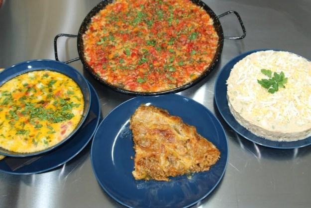 Директно: Баница с кайма, Картофена супа и Домати с ориз