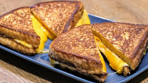 топли сандвичи за закуска