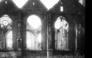 Im März 1945 wurde der Dom bei einem Bombenangriff fast völlig zerstört. Foto: KAM