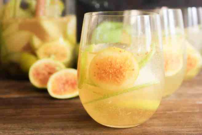 Fall-Sangria-with-Figs-and-Apples