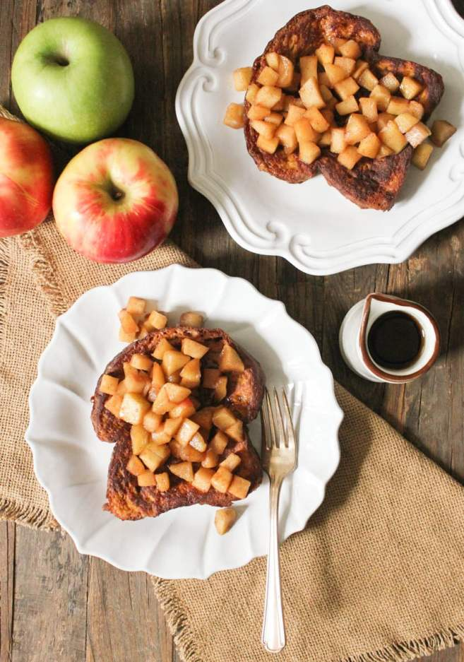 Pumpkin-French-Toast-with-Sauteed-Apples