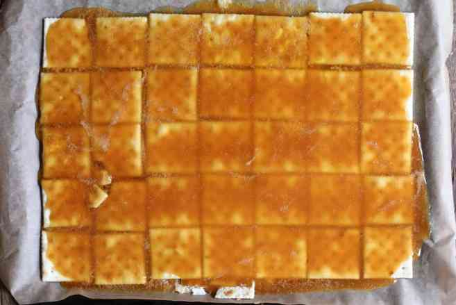 Fully-Loaded-Toffee-Saltines-step-2