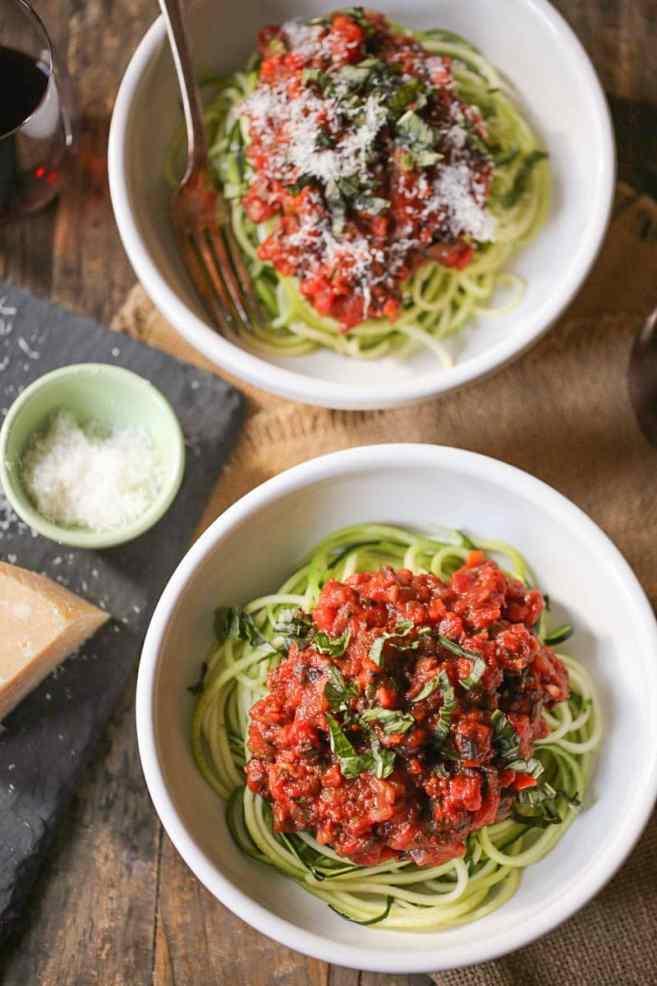zucchini-noodles-with-vegan-portobello-bolognese-5