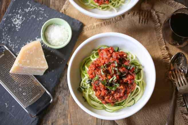 zucchini-noodles-with-vegan-portobello-bolognese-8