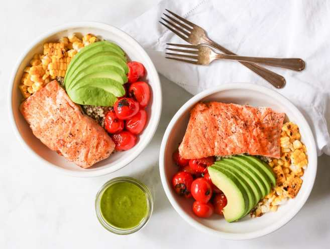 Summer-Quinoa-Bowl-with-Grilled-Salmon-and-Basil-Vinaigrette-5