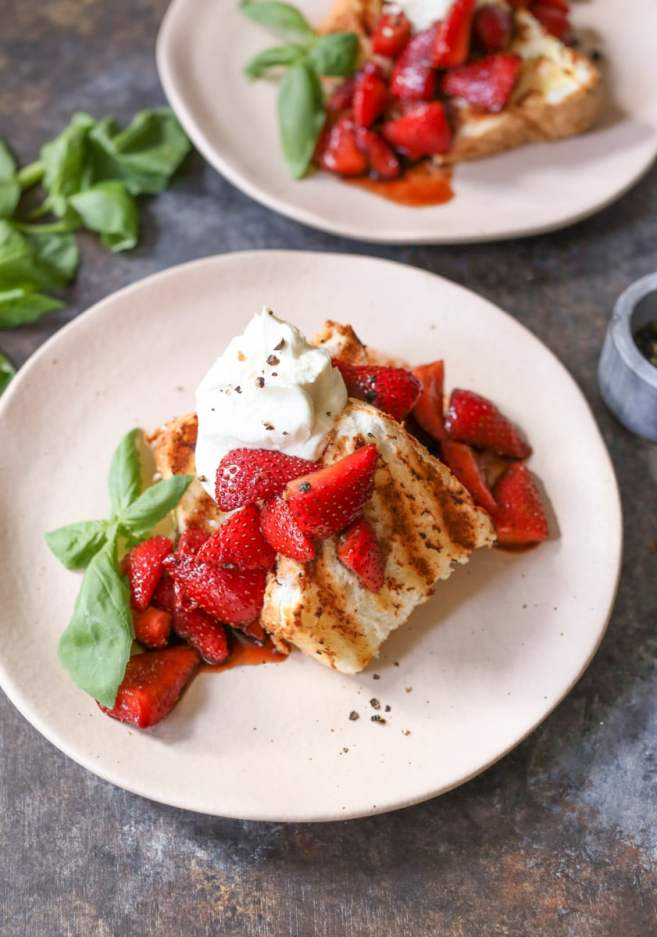 Grilled-Angel-Food-Cake-Whipped-Mascarpone-Balsamic-Strawberries-8