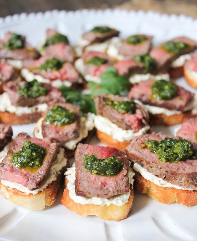 beef-tenderloin-crostini-with-whipped-goat-cheese-and-pesto-3