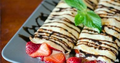 Strawberry Cheese Blintzes Recipe