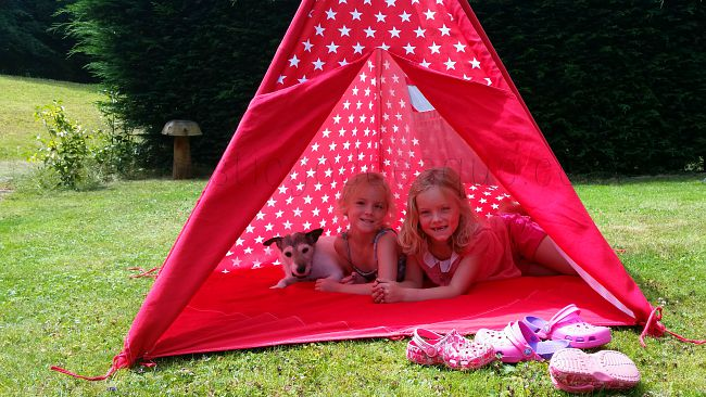 red star wigwam fits plenty of kids and a dog
