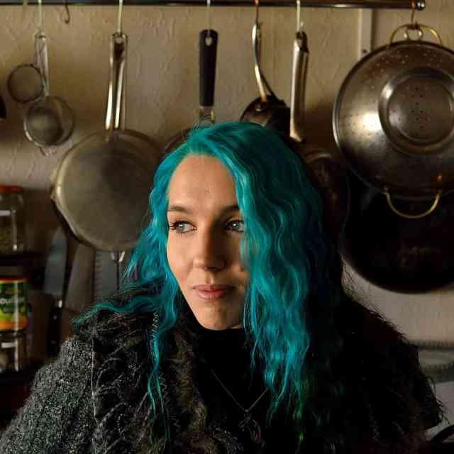 Hannah Hossack-Lodge (Domestic Gothess)