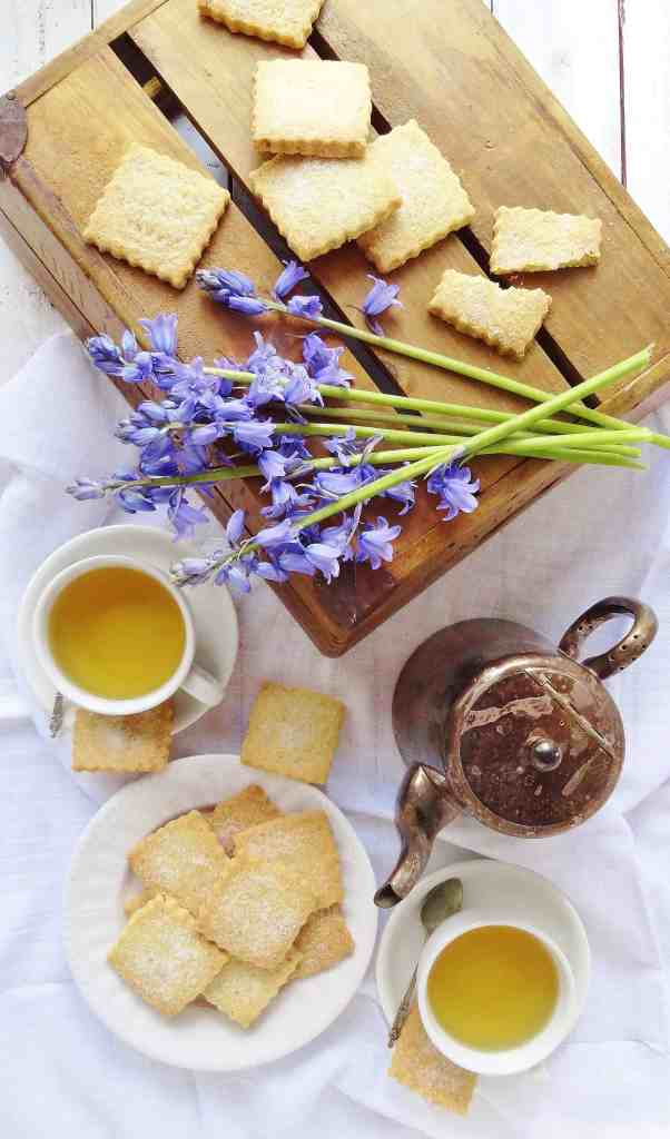 Chamomile tea and lemon shortbread cookies - Domestic Gothess