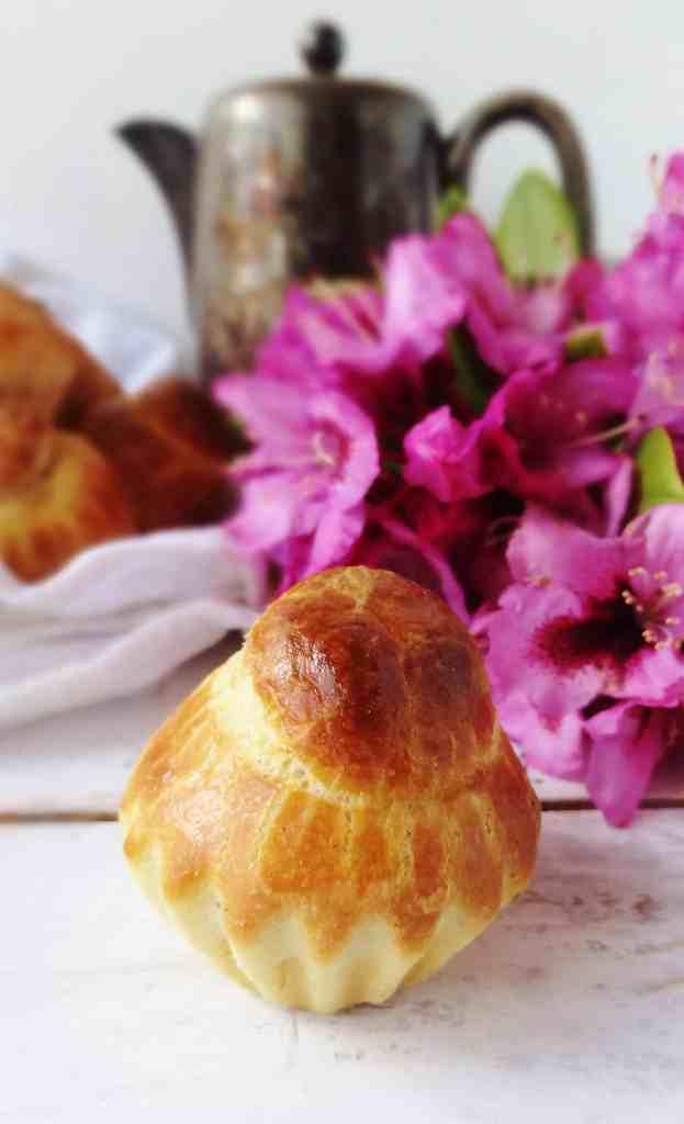 Mini chocolate stuffed vanilla bean brioche buns - Domestic Gothess