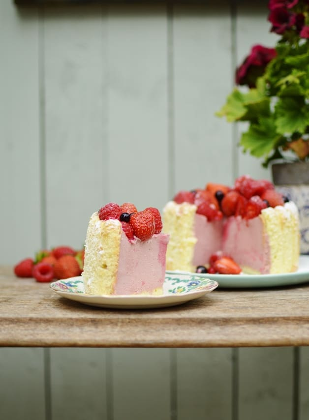 Mixed berry Charlotte Russe - Domestic Gothess recipe