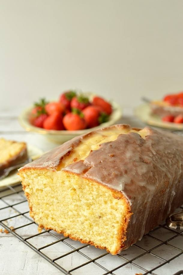 Cardamom and lemon sour cream pound cake - Domestic Gothess