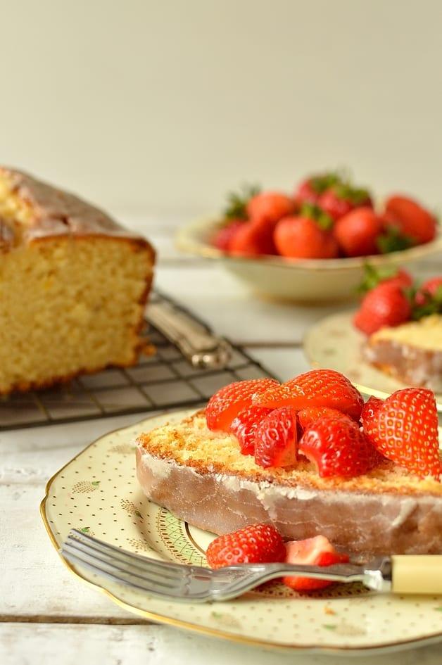 Cardamom & lemon sour cream pound cake - Domestic Gothess