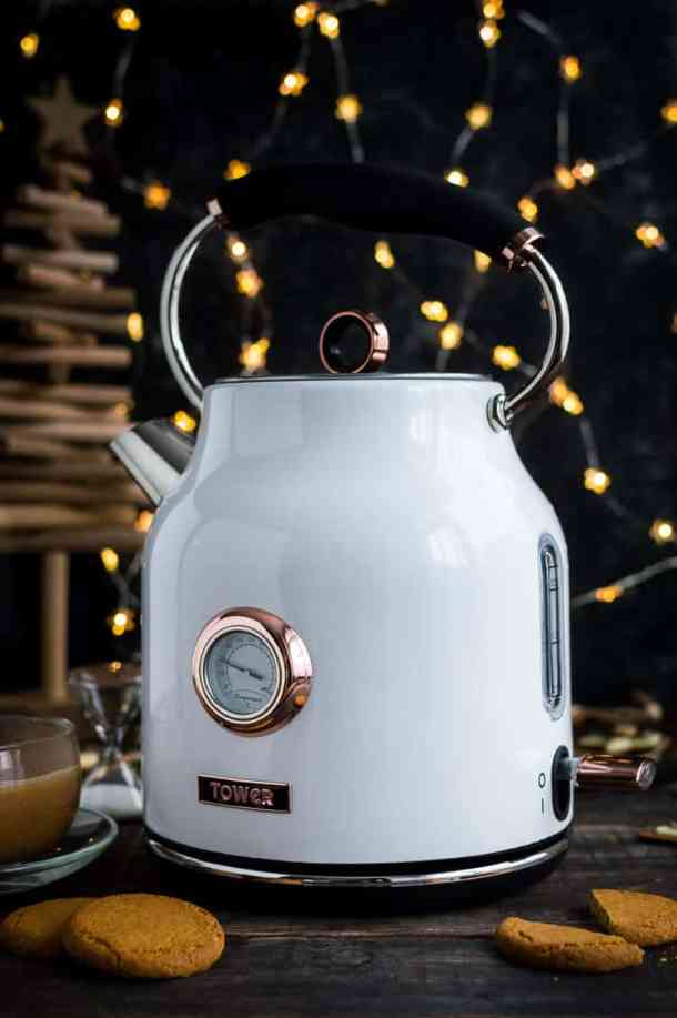 White and rose gold kettle from Tower.