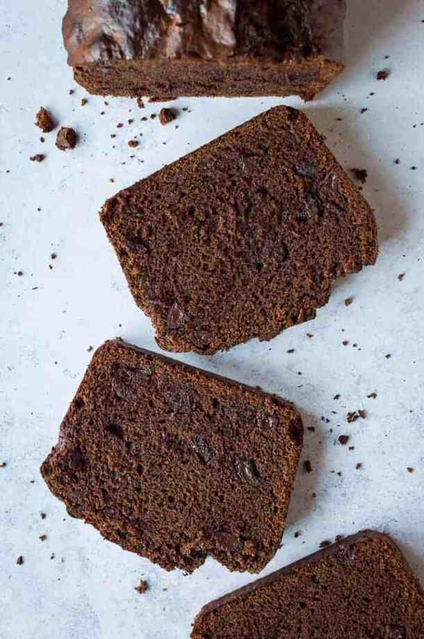 Vegan chocolate banana bread - this easy to make double chocolate vegan banana bread is perfect for snacking on, or it is great for an indulgent breakfast! #vegan #bananabread