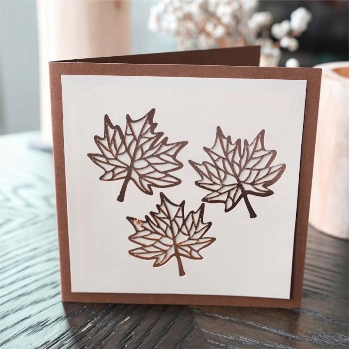 Maple leaf triplet card