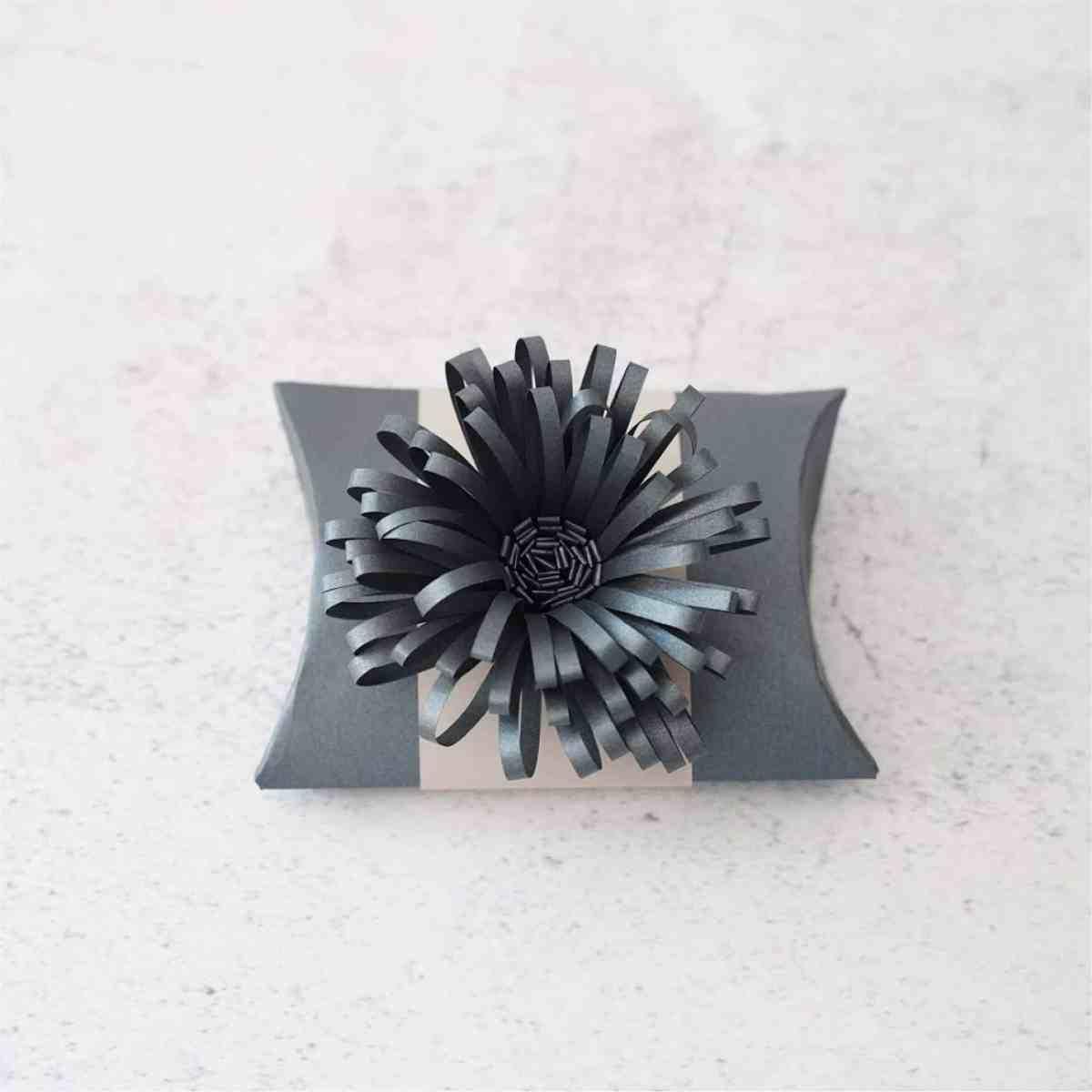 fringe flower favor box