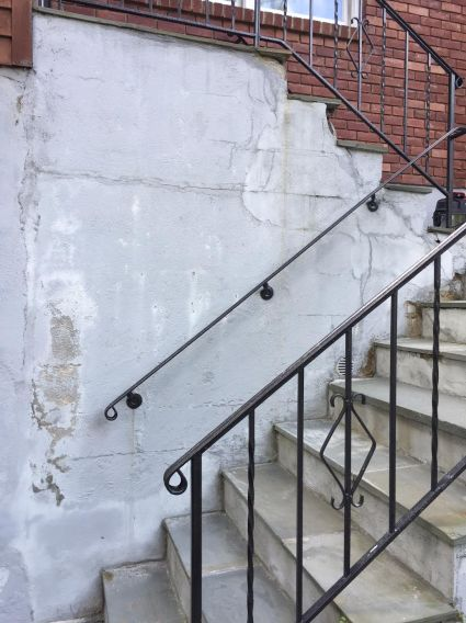 damaged-front-steps