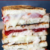 Turkey Cranberry Grilled Cheese (Thanksgiving Leftover Sandwiches)