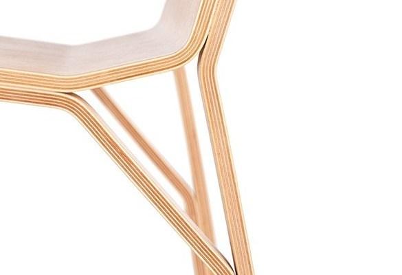 krzesło ze sklejki