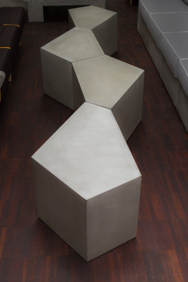 betonowy_stolik_pentagon_2