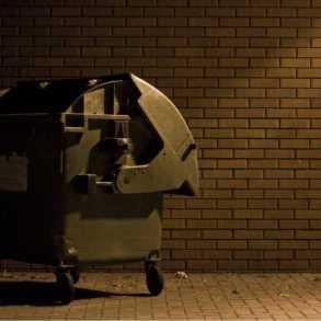 pojemnik na śmieci,