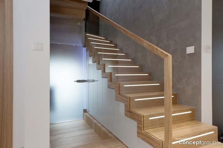 schody z podświetleniem