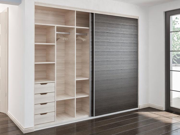szafa wnękowa z drzwiami przesuwnymi